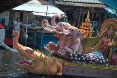 Pocierania Bua festiwal w Tajlandia (Lotosowy miotanie festiwal) Fotografia Stock