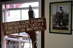 Pocieszny Podpisuje wewnątrz baru, żeglarza ` s nabrzeże, Hout zatoka, Południowa Afryka zdjęcia stock