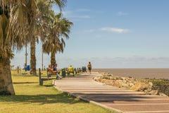 Pocitos海滩的蒙得维的亚乌拉圭木板走道 库存照片