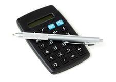 Pocket a pena de calculadora e de ballpoint imagem de stock royalty free