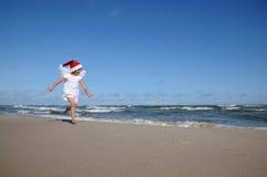 Poco ángel en la playa imagenes de archivo