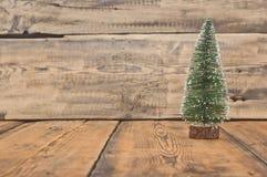 Poco albero di Natale del giocattolo Immagini Stock Libere da Diritti