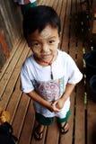 Poco allievo del Myanmar al banco Fotografia Stock Libera da Diritti