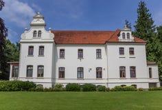 Poco castillo en el centro histórico de Aurich Foto de archivo