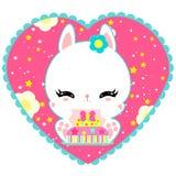 Poco conejito blanco lindo con una torta en corazón Mundo mágico Cumpleaños Tarjeta de felicitación El cartel de los niños Rose r Foto de archivo libre de regalías