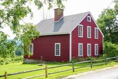 Poco cottage rosso fotografie stock libere da diritti