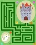 poco fantasma nel labirinto per raggiungere il castello illustrazione vettoriale