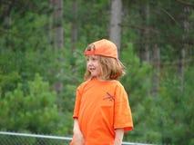Poco giocatore di softball Fotografia Stock
