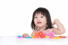 Poco girlwith asiático ABC Fotografía de archivo libre de regalías