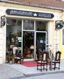 Poco negozio nella città Batumi di Georgia, commerciale negli oggetti d'antiquariato Immagine Stock