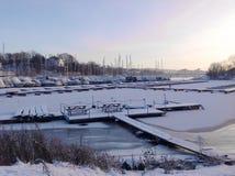 Poco porto in Norvegia ha coperto di neve Fotografia Stock Libera da Diritti