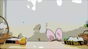 Poco que juega a la muchacha con los oídos del conejito en su cabeza está ocultando debajo de la tabla de madera, llena de decora almacen de video