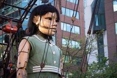 Poco ragazza-gigante a Montreal, Quebec Immagini Stock Libere da Diritti