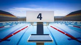 Początek pozycje liczba 4 w turniejowym pływackim basenie Zdjęcie Royalty Free
