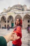 Podąża ja Istanbuł blisko Aya Sofia meczetu podróży pojęcie, Turcja zdjęcia stock