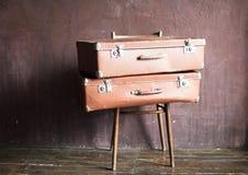 Podławy rocznik Brogująca Antyczna walizki podróż Zdjęcia Royalty Free