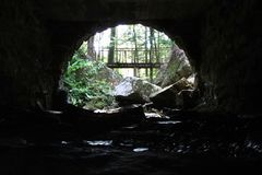 Pod bridżowym widoku Tishomingo stanu parkiem obraz royalty free
