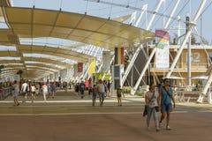 Pod cienić tensile strukturę, expo 2015 Mediolan Zdjęcie Stock