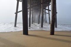 Pod molem w mgle Fotografia Stock