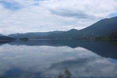 Pod niebem lugu jezioro Obrazy Royalty Free