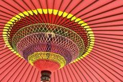 Pod parasolem tęczy Zdjęcia Royalty Free