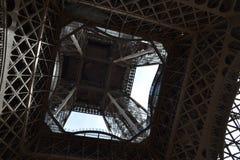 Pod wieżą eifla w Paryż Fotografia Stock