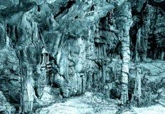 Pod ziemią piękny widok soplenowie i stalagmity w podziemnym cavern obrazy stock