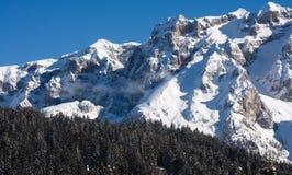 pod zima wysoka góra śnieg Zdjęcia Royalty Free