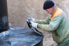 Pod - zmielonymi waterproofing pracami obrazy stock