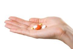 podaj tabletek kobiety Zdjęcia Royalty Free