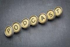 Podcast słowo w maszyna do pisania kluczach Zdjęcia Stock
