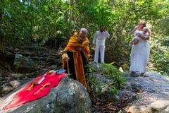 Podczas chrzczenia - Chrześcijański sakrament duchowy narodziny Fotografia Royalty Free