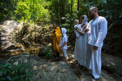 Podczas chrzczenia - Chrześcijański sakrament duchowy narodziny Obraz Stock