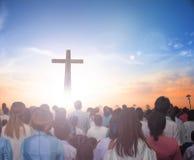 Poddania Conceptï ¼ š Teraz Chrześcijańskiej pochwały Jezusowy odrodzony w Easter dnia pojęciu dla mądrości życia, nadziei wiary  obraz stock