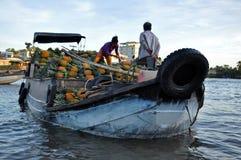 O mercado de flutuação do Cai Rang, pode Tho, delta de Mekong, Vietnam Fotografia de Stock