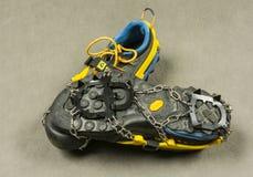 Podejście buty z ślizgań crampons Zdjęcie Royalty Free