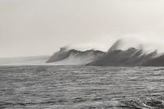 Poder blanco negro de la onda Foto de archivo libre de regalías