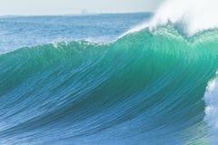 Poder de água da onda de oceano Fotografia de Stock Royalty Free