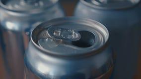 Poder de soda no marcada de apertura de cola efervescente con el sonido metrajes