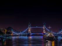 Poder pleno da ponte da torre Foto de Stock Royalty Free