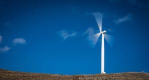 Poder que genera el molino de viento Imagen de archivo libre de regalías