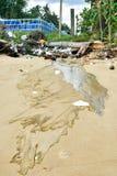 Podesłań zanieczyszczenia na plaży Fotografia Royalty Free