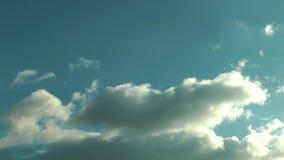 Podeszczowe chmury W Błękitny Czysty nieba time lapse zdjęcie wideo
