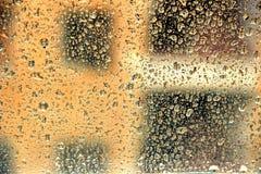 Podeszczowy na zewnątrz nadokiennego szkła Zdjęcia Stock