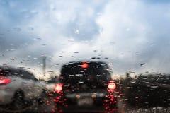 Podeszczowy spadku i ruchu drogowego dżem w Bangkok Fotografia Stock