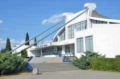 Podgorica, Μαυροβούνιο, 112.2015 Ιουνίου, Σκηνή του Μαυροβουνίου: κανένας, οικοδόμηση του αθλητικού κέντρου δεν ονόμασε Moraca Στοκ Φωτογραφίες
