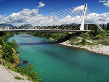 Podgorica, Montenegro. De brug van het millennium. Stock Foto's