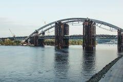 Podilsko-Voskresenskyi桥梁在Kyiv 库存图片