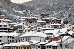 Podkaljaja, a parte velha de Prizren sob a fortaleza, coberta com a neve fotografia de stock royalty free