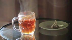 Podnosić up herbacianą torbę zbiory wideo